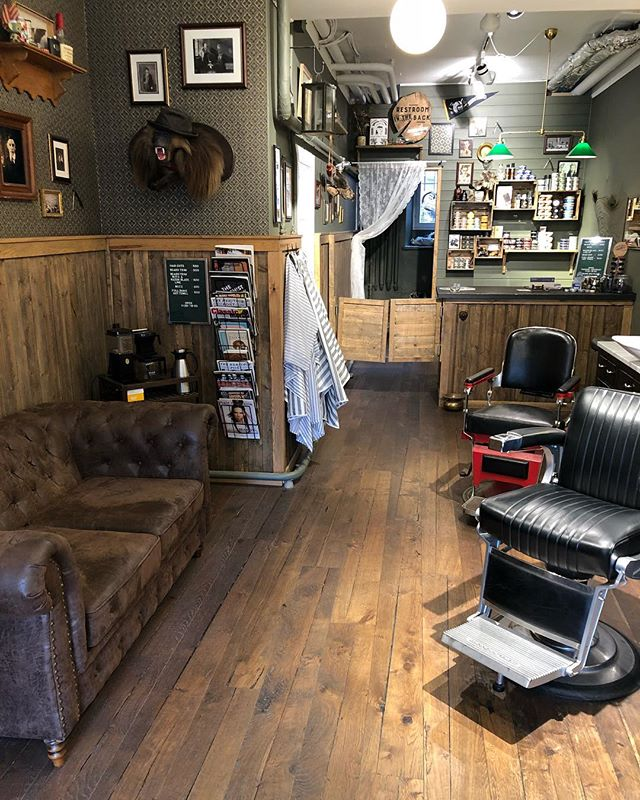 Grease&Peace barbershop will be open today from 11:30 to 19:00 . See yea in the shop Lads & ladies.